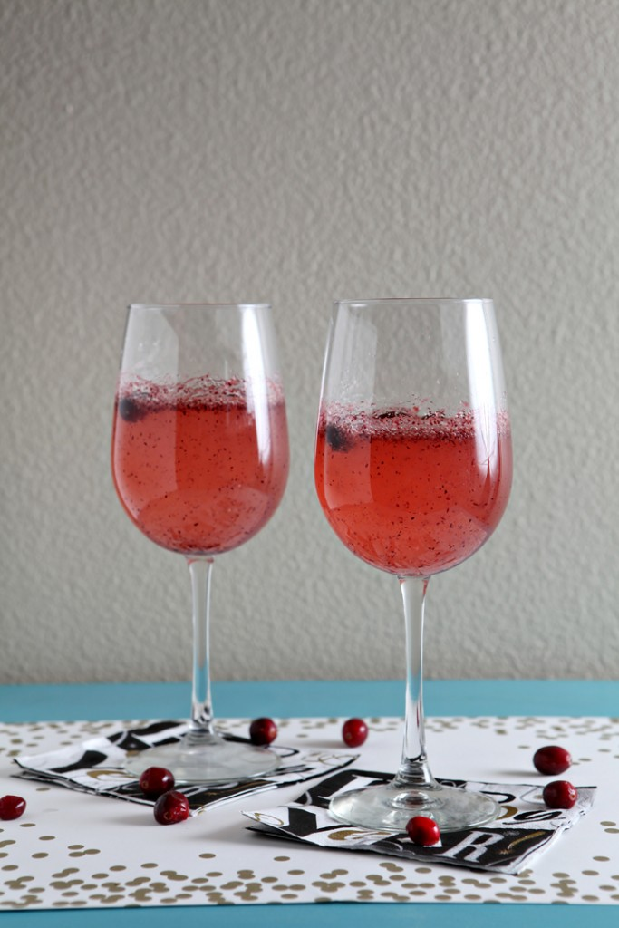 New Year's Eve: Sparkling Cranberry Mocktail // The Speckled Palate