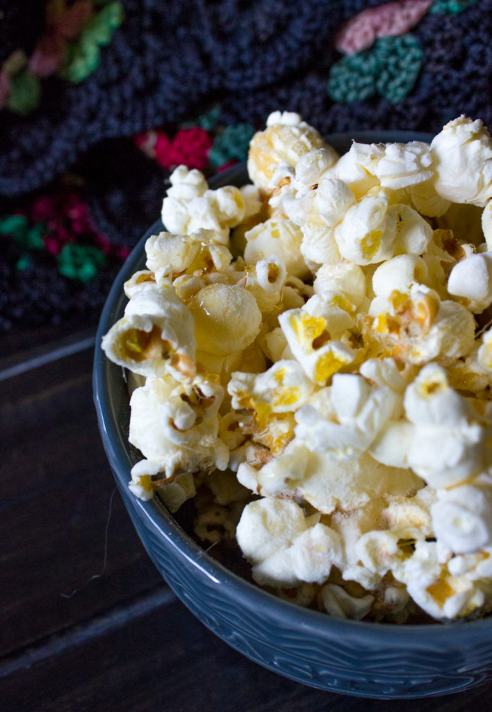 Chicago Style Popcorn - I Say Nomato