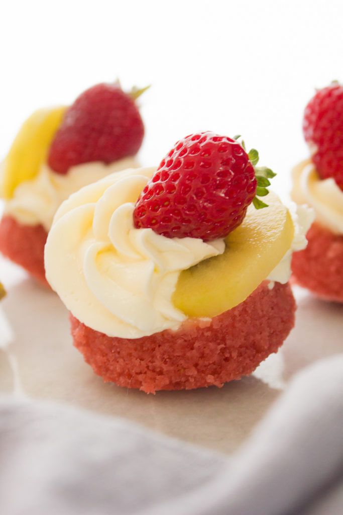 It's an upside-down cupcake with a fresh Strawberry Kiwi twist!