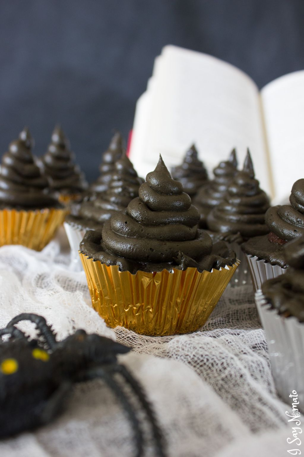 Harry Potter Inspired Sorting Hat Cupcakes - I Say Nomato