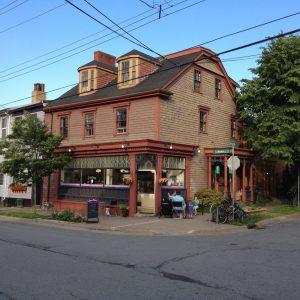 Dee Dee's Ice Cream – Halifax, NS