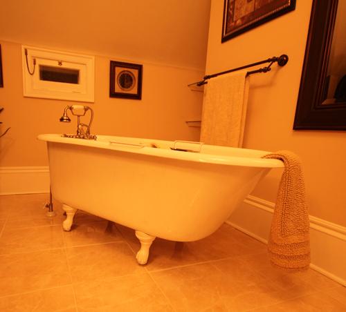 an oldfashioned tub at the Quartermain Inn