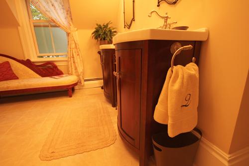 The amazing bathroom at the Quartermain Inn