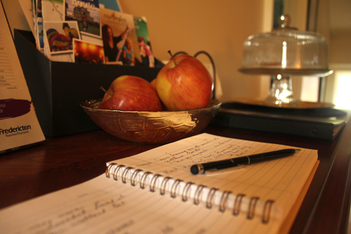 guestbook and apples