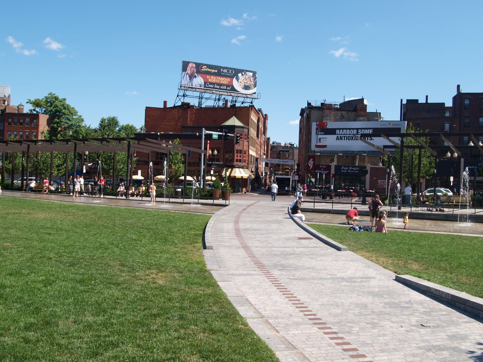 the boston freedom trail Do not let your boston vacation go by without walking the freedom trail the 2-mile trail is jam packed with historic points of interest including paul revere's home, the north church, and the boston massacre site.